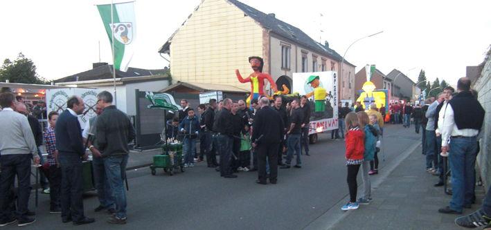 2014_Fackelzug_Strasse_2
